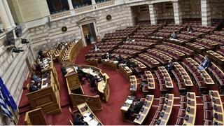 Σφοδρή αντιπαράθεση για τον Κουφοντίνα στη Βουλή