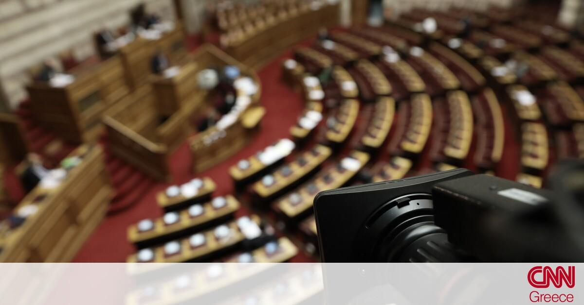 «Πρεμιέρα» μάχης στη Βουλή για #metoo και Λιγνάδη: Η παρέμβαση Μητσοτάκη και ο κλοιός σε Τσίπρα