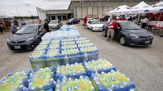 Σε απόγνωση οι κάτοικοι στο Τέξας: Χωρίς νερό πάνω από 1,3 εκατ. άνθρωποι