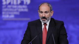 Αρμενία: Στρατιωτικό πραξικόπημα σε βάρος του καταγγέλλει ο Πασινιάν