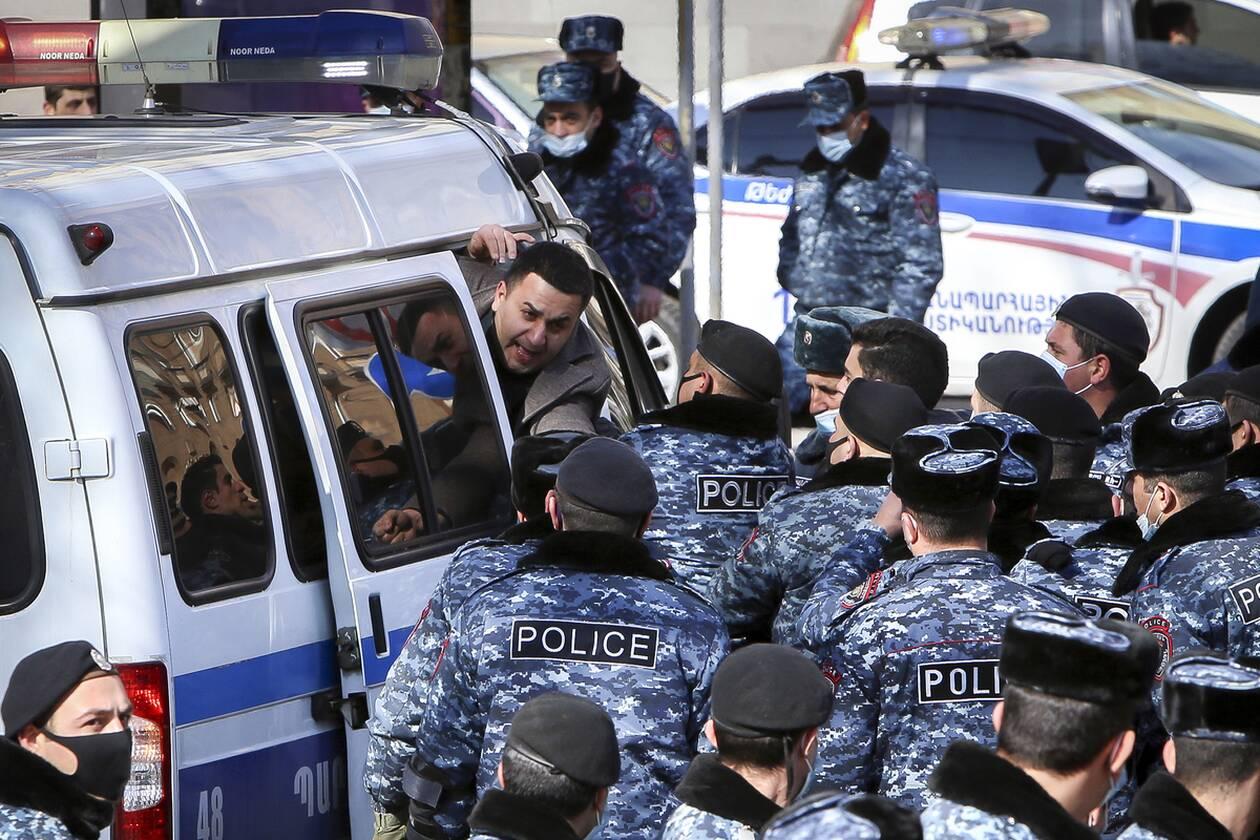https://cdn.cnngreece.gr/media/news/2021/02/25/255908/photos/snapshot/armenia_pasinian-2.jpg