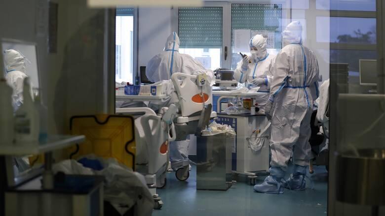Κορωνοϊός: Ασφυκτική πίεση στα νοσοκομεία με 367 διασωληνωμένους - 1.784 νέα κρούσματα, 39 θάνατοι
