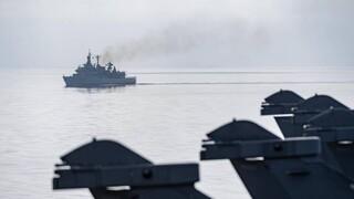Πολεμικό Ναυτικό: Η φρεγάτα «Κανάρης» συνοδεύει το γαλλικό αεροπλανοφόρο «Charles De Gaulle»