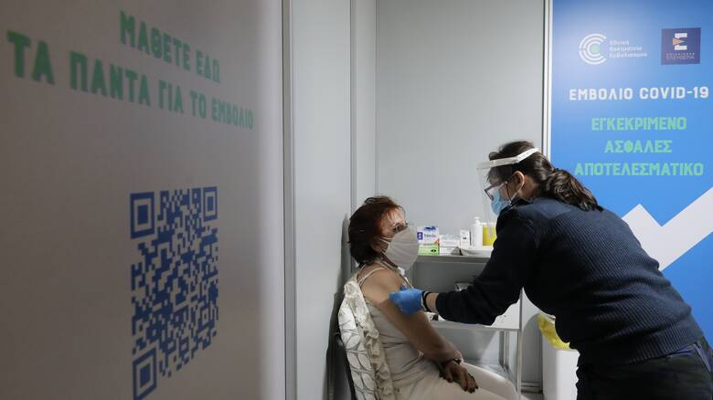 Ένας χρόνος πανδημία: Η αβεβαιότητα του lockdown – Η ελπίδα του εμβολίου
