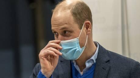 «Μην πιστεύετε την παραπληροφόρηση»: Ο πρίγκιπας Ουίλιαμ προτρέπει τους Βρετανούς να εμβολιαστούν