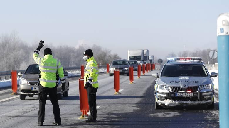 Κορωνοϊός: Το Παρίσι αντιδρά στην επιβολή συνοριακών περιορισμών από τη Γερμανία