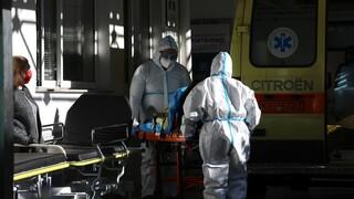 Κορωνοϊός: Η πίεση στις ΜΕΘ φέρνει πιο κοντά μια νέα παράταση του lockdown