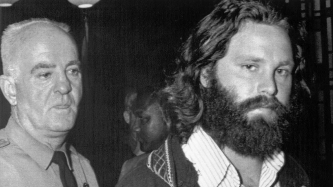 «The Collected Works of Jim Morrison»: Ένα βιβλίο με όλα τα γραπτά του Μόρισον έρχεται τον Ιούνιο