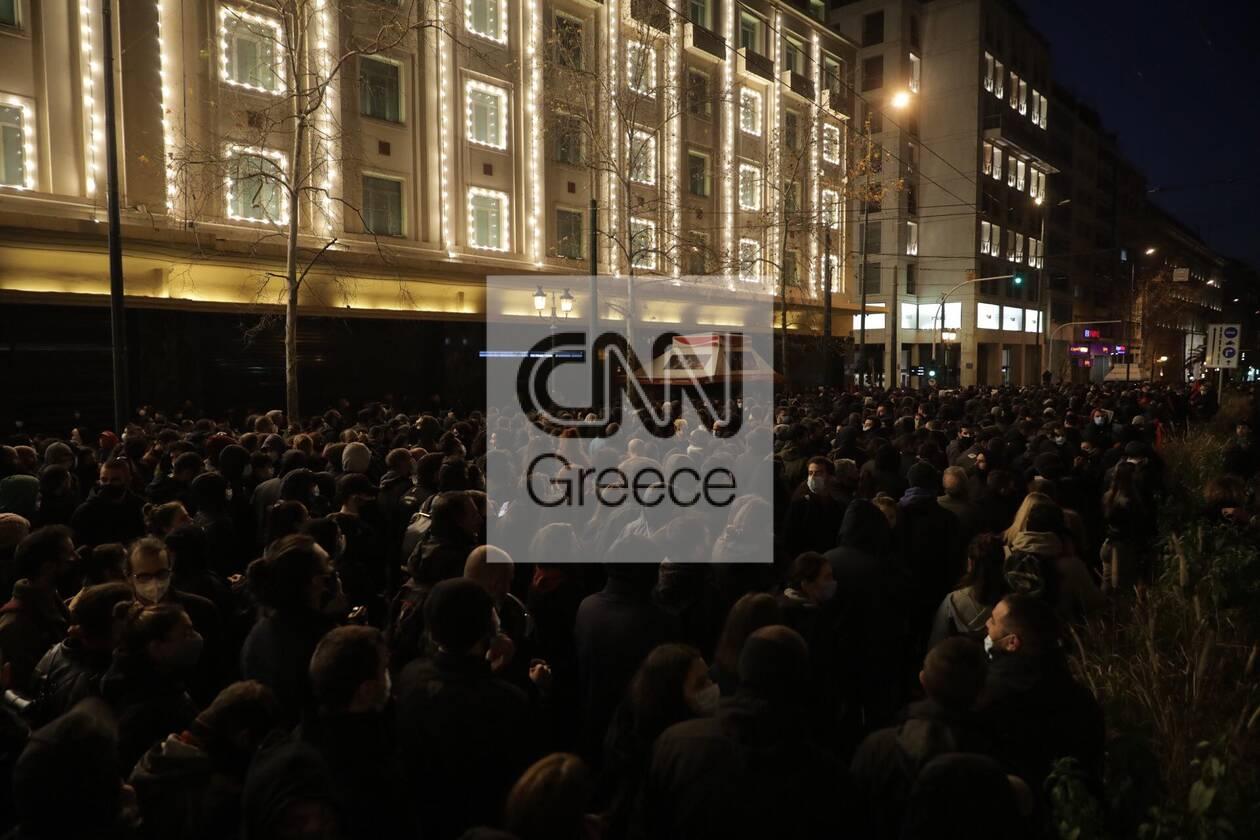 https://cdn.cnngreece.gr/media/news/2021/03/01/256435/photos/snapshot/sygkentrosi-koufontinas-syntagma-1.jpg