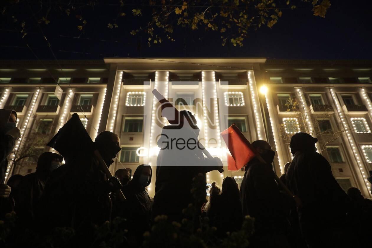 https://cdn.cnngreece.gr/media/news/2021/03/01/256435/photos/snapshot/sygkentrosi-koufontinas-syntagma-3.jpg