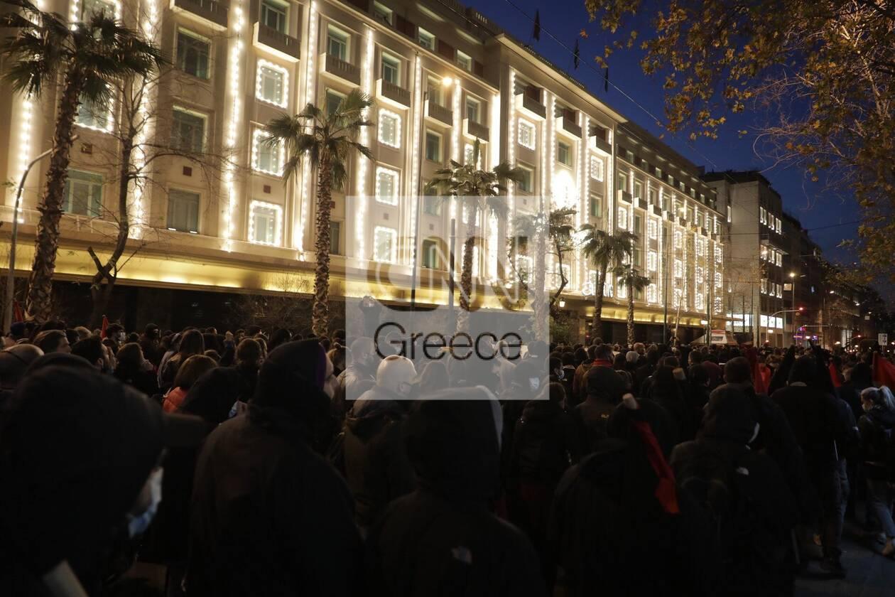 https://cdn.cnngreece.gr/media/news/2021/03/01/256435/photos/snapshot/sygkentrosi-koufontinas-syntagma-5.jpg