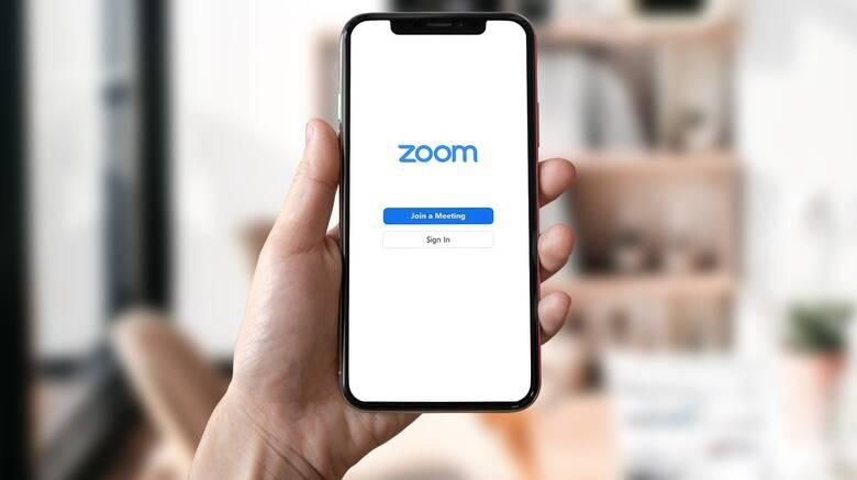 Zoom: Η εφαρμογή που έγινε δημοφιλής χάρη στον κορωνοϊό προβλέπει εκρηκτική ανάπτυξη το 2021