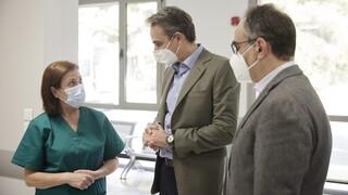 Επίσκεψη Μητσοτάκη στο «Σωτηρία»: Να κάνουμε όλοι μια τελευταία μεγάλη προσπάθεια