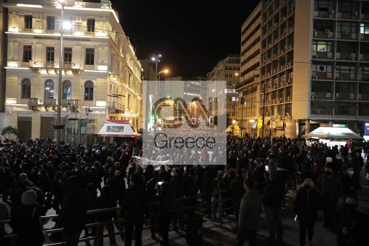https://cdn.cnngreece.gr/media/news/2021/03/02/256584/photos/snapshot/koufontinas-syntagma-1.jpg