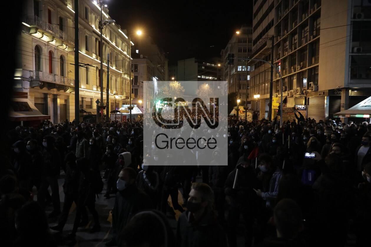 https://cdn.cnngreece.gr/media/news/2021/03/02/256584/photos/snapshot/koufontinas-syntagma-2.jpg