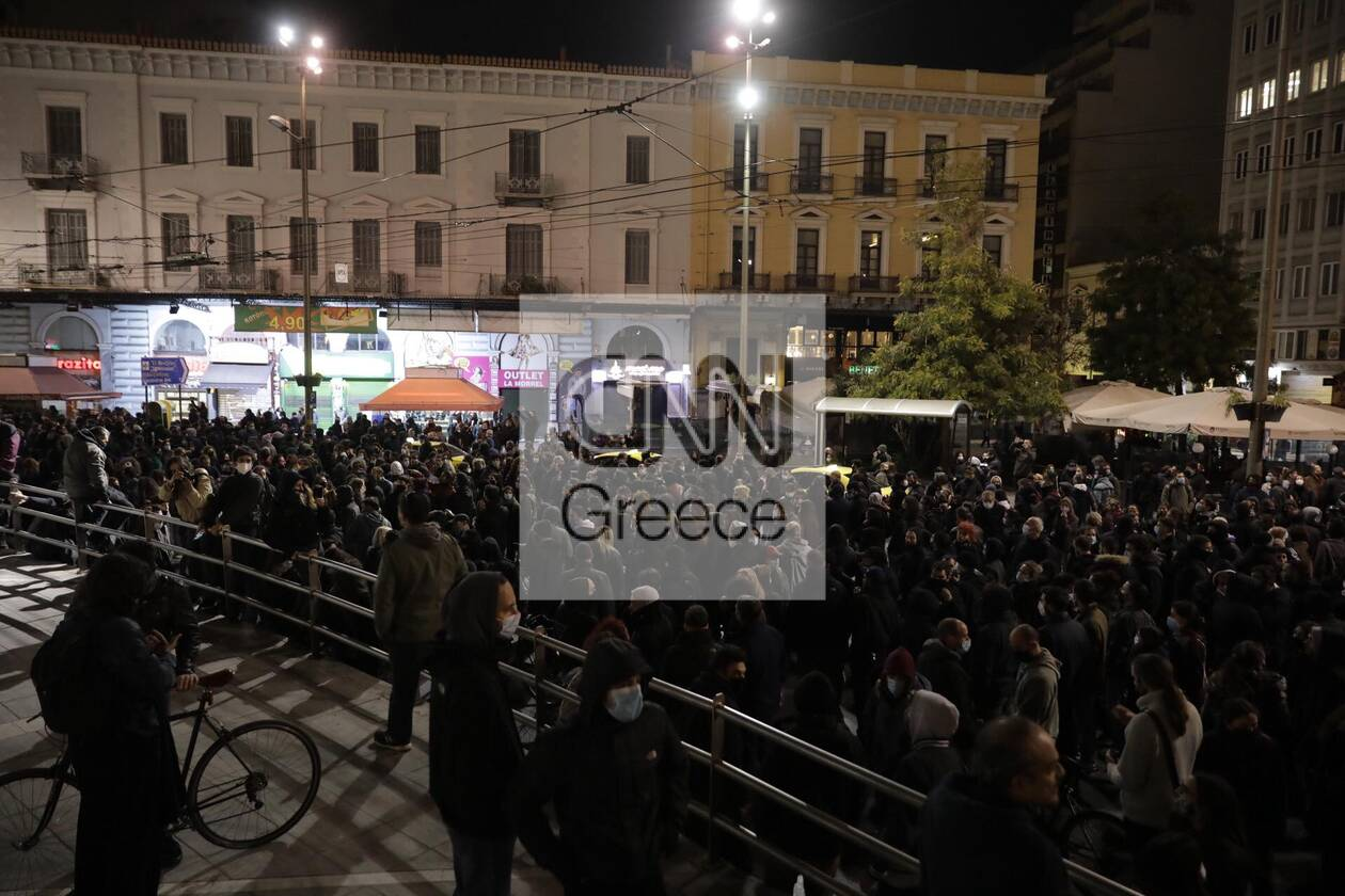 https://cdn.cnngreece.gr/media/news/2021/03/02/256584/photos/snapshot/koufontinas-syntagma-6.jpg