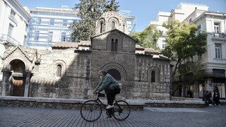 Κορωνοϊός - Δερμιτζάκης: Ή αυστηρό lockdown που θα εφαρμοστεί ή άλλη στρατηγική