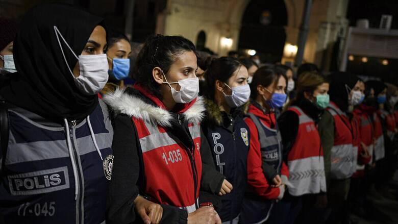 Deutsche Welle: Στην Τουρκία δολοφονίες γυναικών «βαπτίζονται» αυτοκτονίες