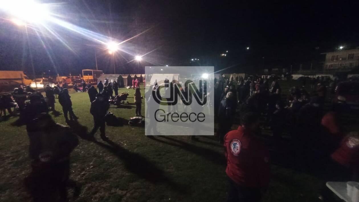 https://cdn.cnngreece.gr/media/news/2021/03/04/256763/photos/snapshot/seismos-elassona-6-49.jpg