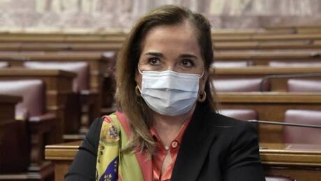 «Προσέβαλε τους νεκρούς»: Η Ντόρα Μπακογιάννη απαντά στις δηλώσεις Δρίτσα για την 17 Νοέμβρη