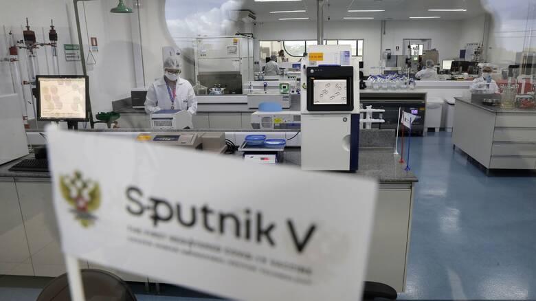 Εμβόλιο - Κορωνοϊός: Ο ΕΜΑ ξεκίνησε αξιολόγηση του Sputnik V – Γιατί δεν το θέλουν οι Ρώσοι