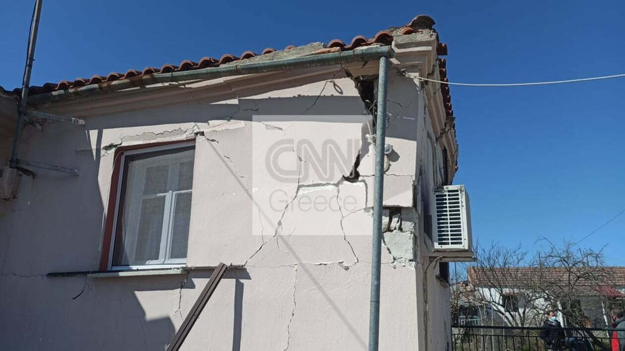 https://cdn.cnngreece.gr/media/news/2021/03/04/256835/photos/snapshot/seismos-mesochori-3.jpg