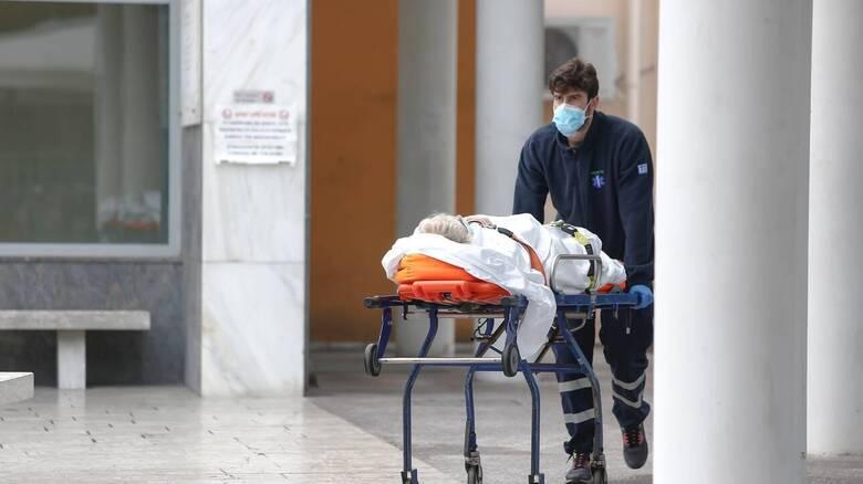 Κορωνοϊός - ΠΟΕΔΗΝ: Σε «πόλεμο» τα νοσοκομεία χωρίς προετοιμασία
