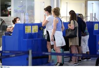 Η Κύπρος ανοίγει τις «πόρτες» σε εμβολιασμένους Βρετανούς τουρίστες