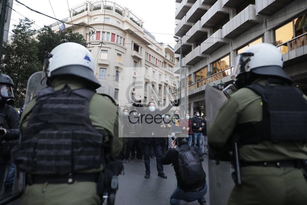 https://cdn.cnngreece.gr/media/news/2021/03/05/257059/photos/snapshot/epeisodia-athina-5-1.jpg
