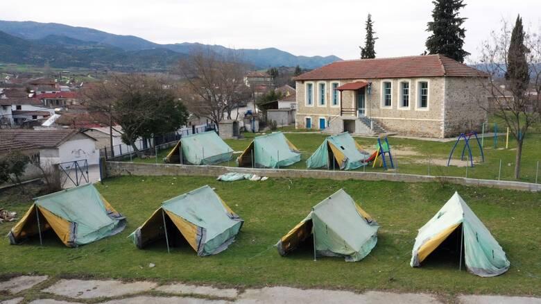 Αγωνίας συνέχεια για τους σεισμοπαθείς της Ελασσόνας - Εκατοντάδες τα μη κατοικήσιμα σπίτια