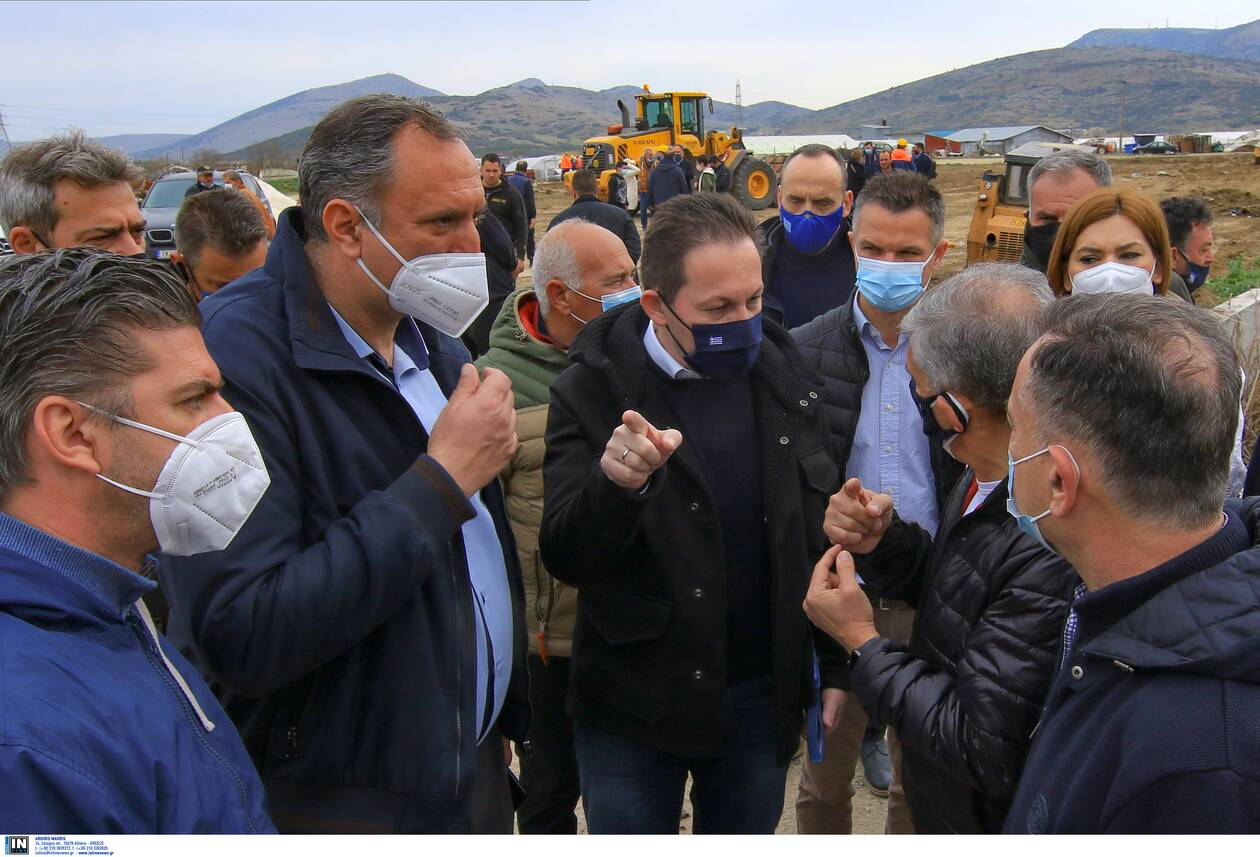 https://cdn.cnngreece.gr/media/news/2021/03/06/257103/photos/snapshot/petsas-1.jpg
