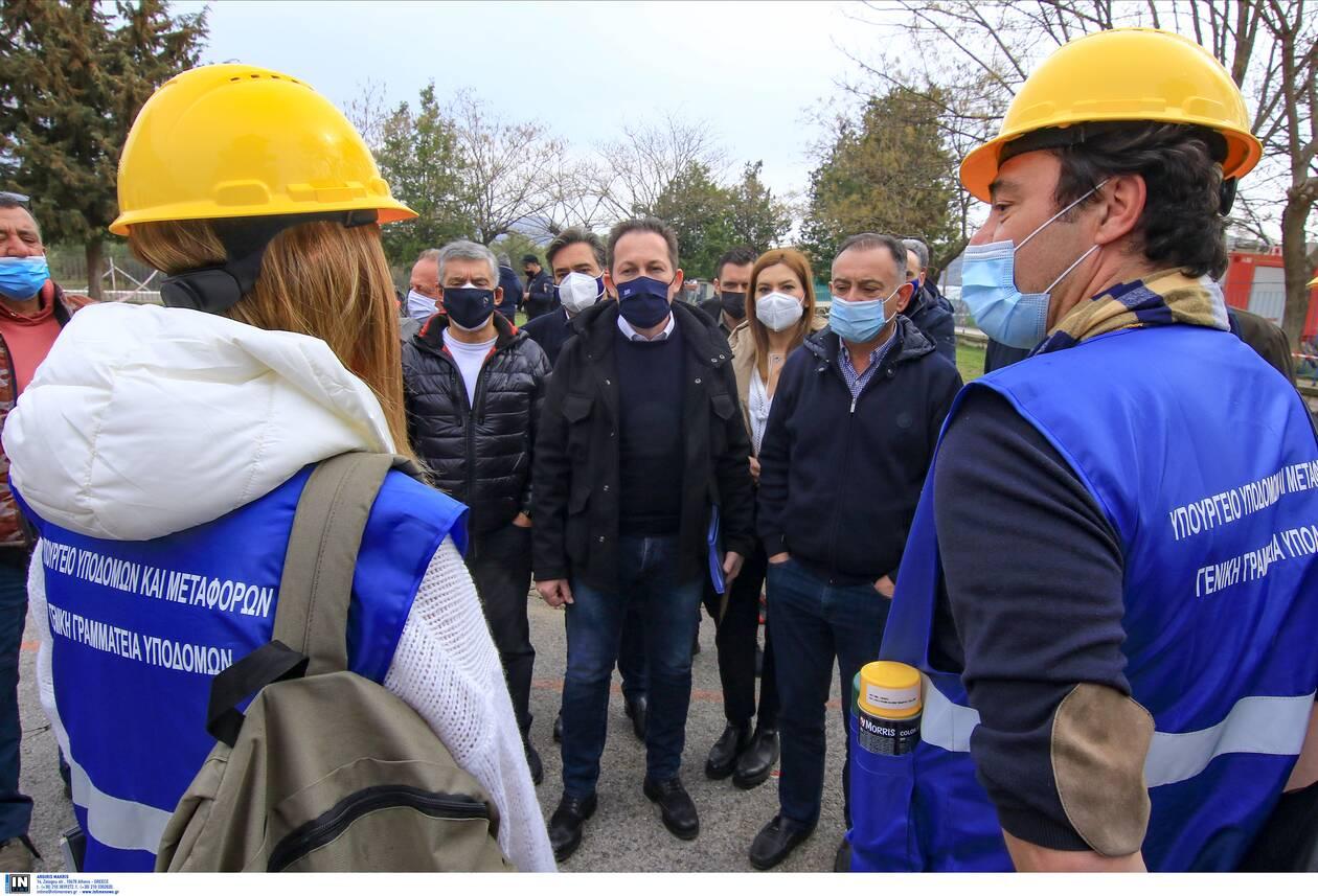 https://cdn.cnngreece.gr/media/news/2021/03/06/257103/photos/snapshot/petsas-6.jpg