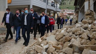Τσίπρας από σεισμόπληκτες περιοχές: Αυτό που προέχει τώρα είναι να δοθούν οι αποζημιώσεις
