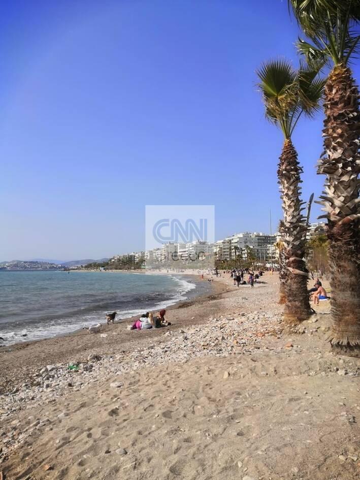 https://cdn.cnngreece.gr/media/news/2021/03/06/257123/photos/snapshot/lockdown_athinaioi_volta-10.jpg