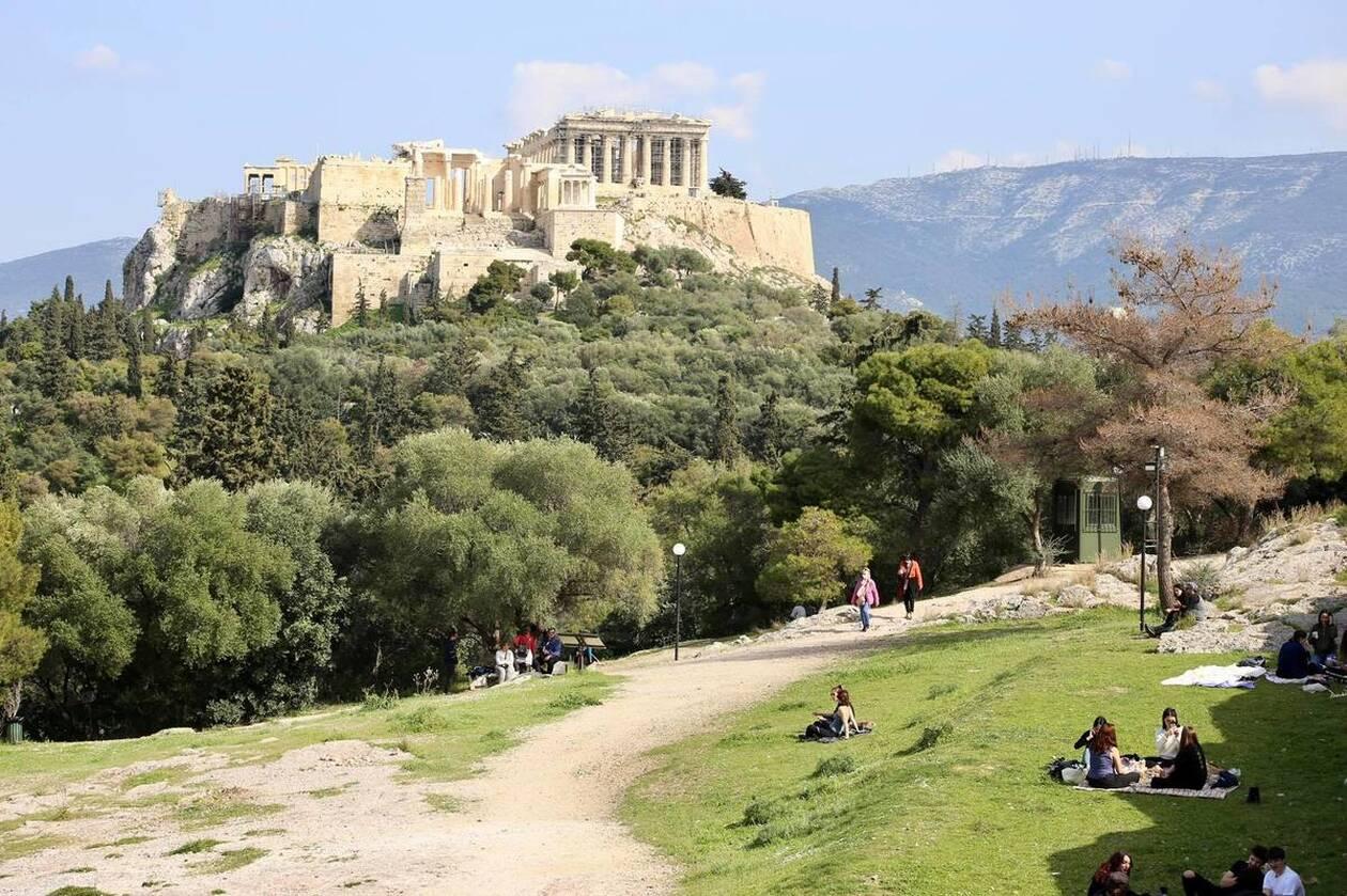 https://cdn.cnngreece.gr/media/news/2021/03/06/257123/photos/snapshot/lockdown_athinaioi_volta-5.jpg