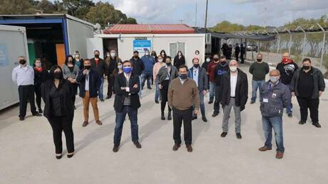 «Η Ευρώπη δίπλα στην Ελλάδα»: Στο ΚΥΤ Λέρου ο Σχοινάς με τον Μηταράκη