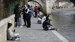 Κορωνοϊός - Γαλλία: Η αστυνομία εκκένωσε τις όχθες του Σηκουάνα λόγω συνωστισμού