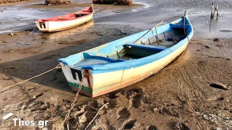 Άμπωτη: Υποχώρησαν τα νερά και στον Θερμαϊκό Κόλπο στη Θεσσαλονίκη