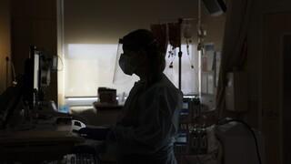 Κορωνοϊός - ΠΟΕΔΗΝ: Νοσοκομεία της Αττικής εφημερεύουν χωρίς κενές κλίνες ΜΕΘ