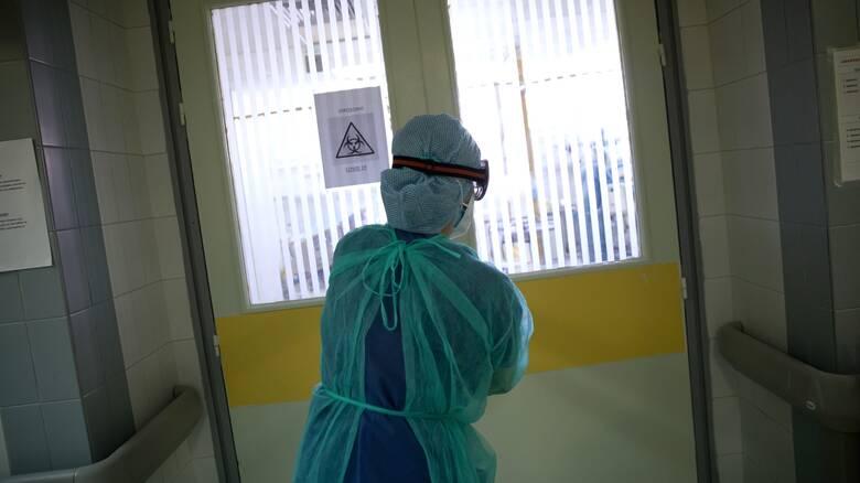 Κορωνοϊός - Γιαννάκος: «Συνθήκες πολέμου» στα νοσοκομεία της Αττικής λόγω κρουσμάτων