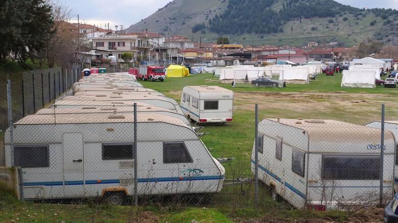 Σεισμός Ελασσόνα: Φορτηγά με είδη πρώτης ανάγκης στους σεισμόπληκτους