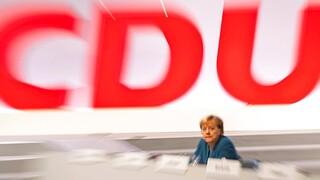 Κορωνοϊός - Γερμανία: Η πανδημία «ρίχνει» τη δημοτικότητα των Χριστιανοδημοκρατών της Μέρκελ