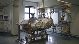 Κορωνοϊός: 1.142 νέα κρούσματα, 466 διασωληνωμένοι, 53 θάνατοι