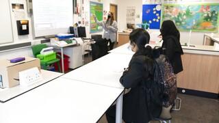 Βρετανία: Επιστροφή στις τάξεις για τους μικρούς μαθητές στο πρώτο βήμα άρσης του lockdown