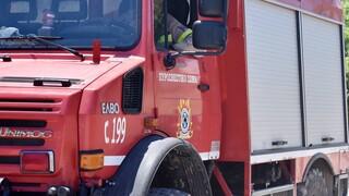 Φωτιά τώρα σε κτήριο στον Βοτανικό - Επί ποδός η Πυροσβεστική