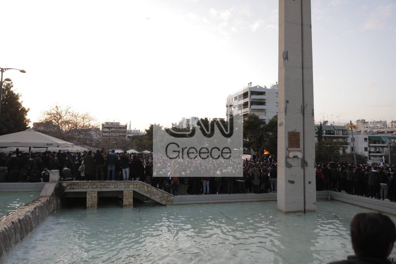 https://cdn.cnngreece.gr/media/news/2021/03/09/257552/photos/snapshot/nea-smyrni-10-1.jpg