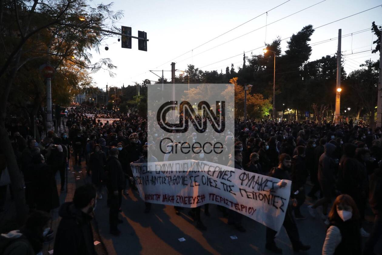 https://cdn.cnngreece.gr/media/news/2021/03/09/257552/photos/snapshot/nea-smyrni-18.jpg