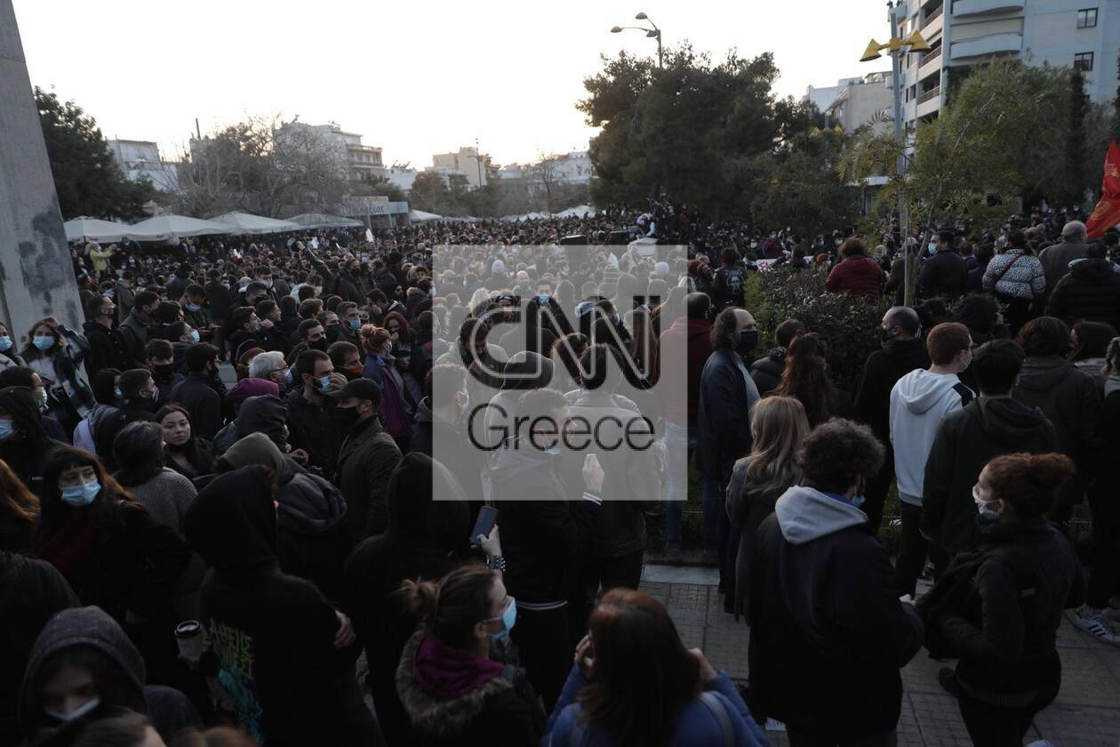 https://cdn.cnngreece.gr/media/news/2021/03/09/257552/photos/snapshot/nea-smyrni-7-1.jpg