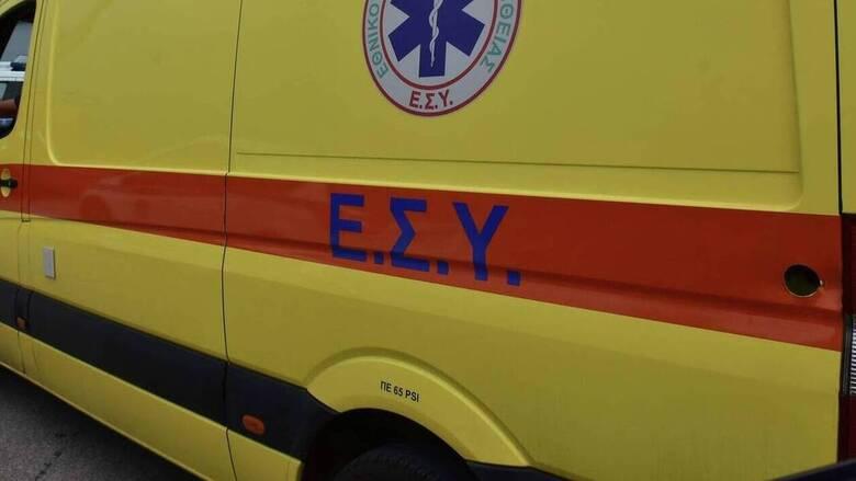 Αυτοκίνητο έπεσε σε βραχώδη θαλάσσια περιοχή στο Λαύριο - Καλά στην υγεία τους οι επιβαίνοντες