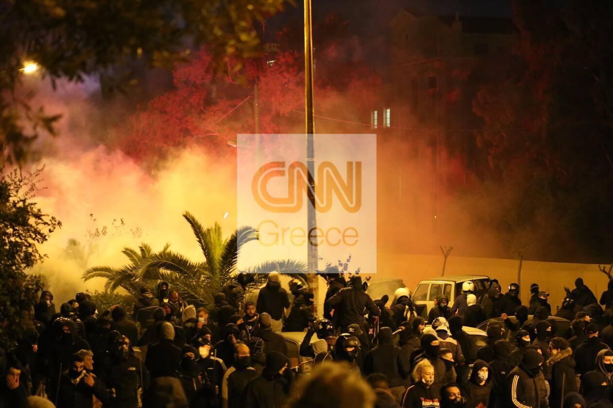 https://cdn.cnngreece.gr/media/news/2021/03/10/257594/photos/snapshot/epeisodia-nea-smyrni-4.jpg